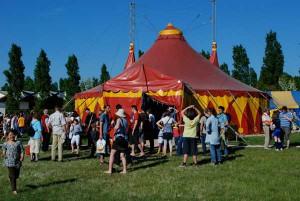 2011-05-Zirkuszelt