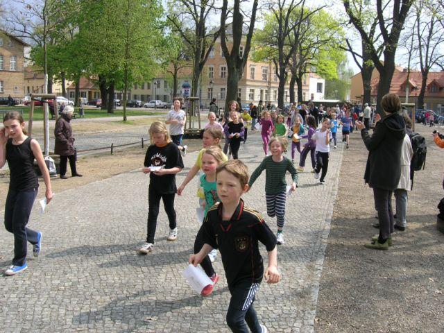 Bei unserem Spendenlauf am 25. April 2012 hat die Schule 9.300 ? eingenommen.