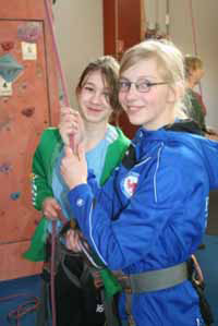 Klasse 6 in der Kletterhalle Magic Mountain