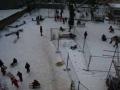 2009-01-schulhof-100-kinder-1